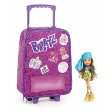Ясмин и чемодан Обучение за рубежом, Study Abroad case with Yasmin doll