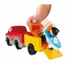 Фото - Развивающая игрушка Fisher-Price Грузовик с прицепом и лодкой Маленькие люди