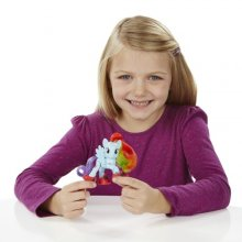 Фото - Фигурка Hasbro My Little Pony (шарнирная) Friendship is Magic Rainbow Dash Sightseeing Figure